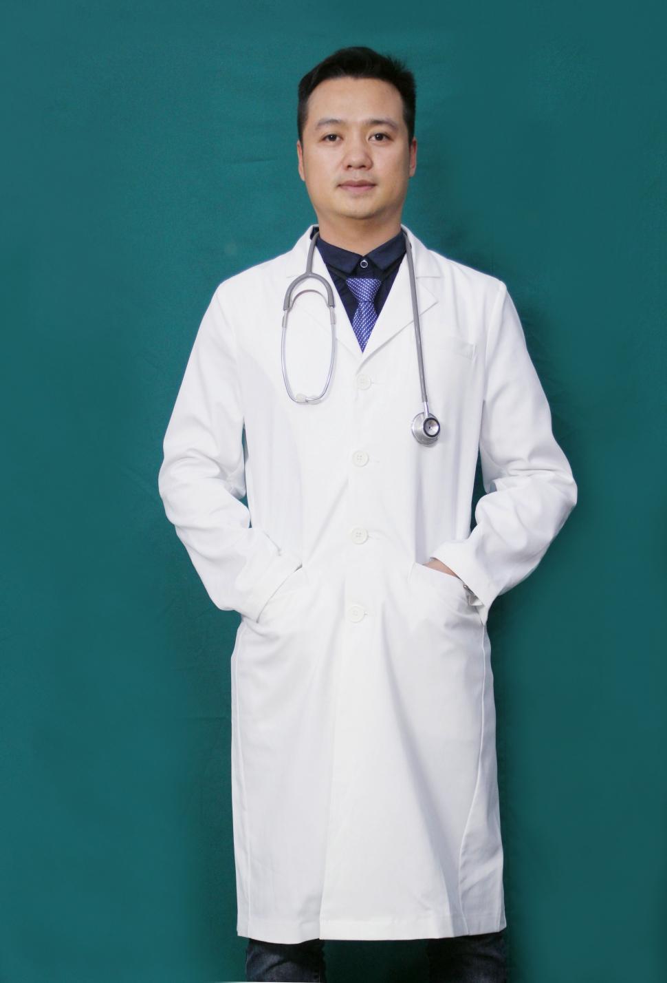 Đồng phục y tế may sẵn